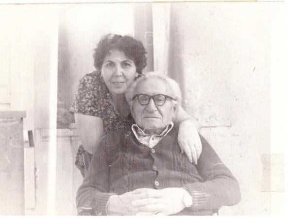 Հովհաննես Ալեքսանդրյանը իր աղջկա՝ Թագուհի Հարությունյանի հետ