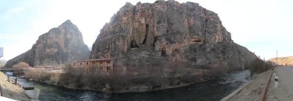 Արփա գետը և Արենիի քարանձավը