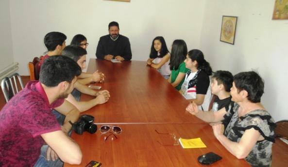 Հանդիպում «Վարդանանք» պատանի հայագետների խմբակի անդամների հետ
