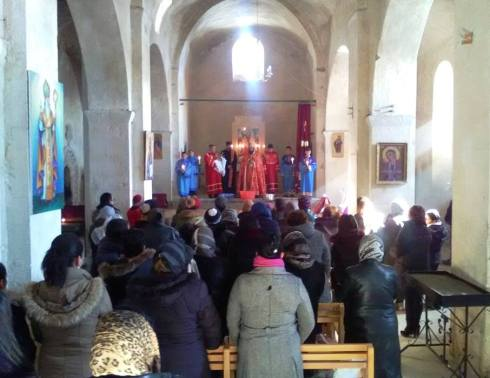 Սուրբ Ծննդյան արարողությունները սահմանամերձ Խաչիկ համայնքի Սբ. Աստվածածին եկեղեցում